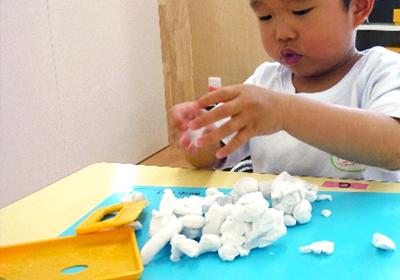 粘土クラフト(月2回)(2歳児以上)